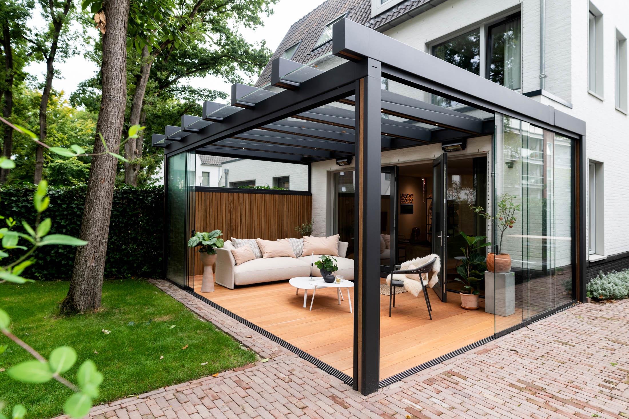 Exclusieve tuinkamer met glazen wanden