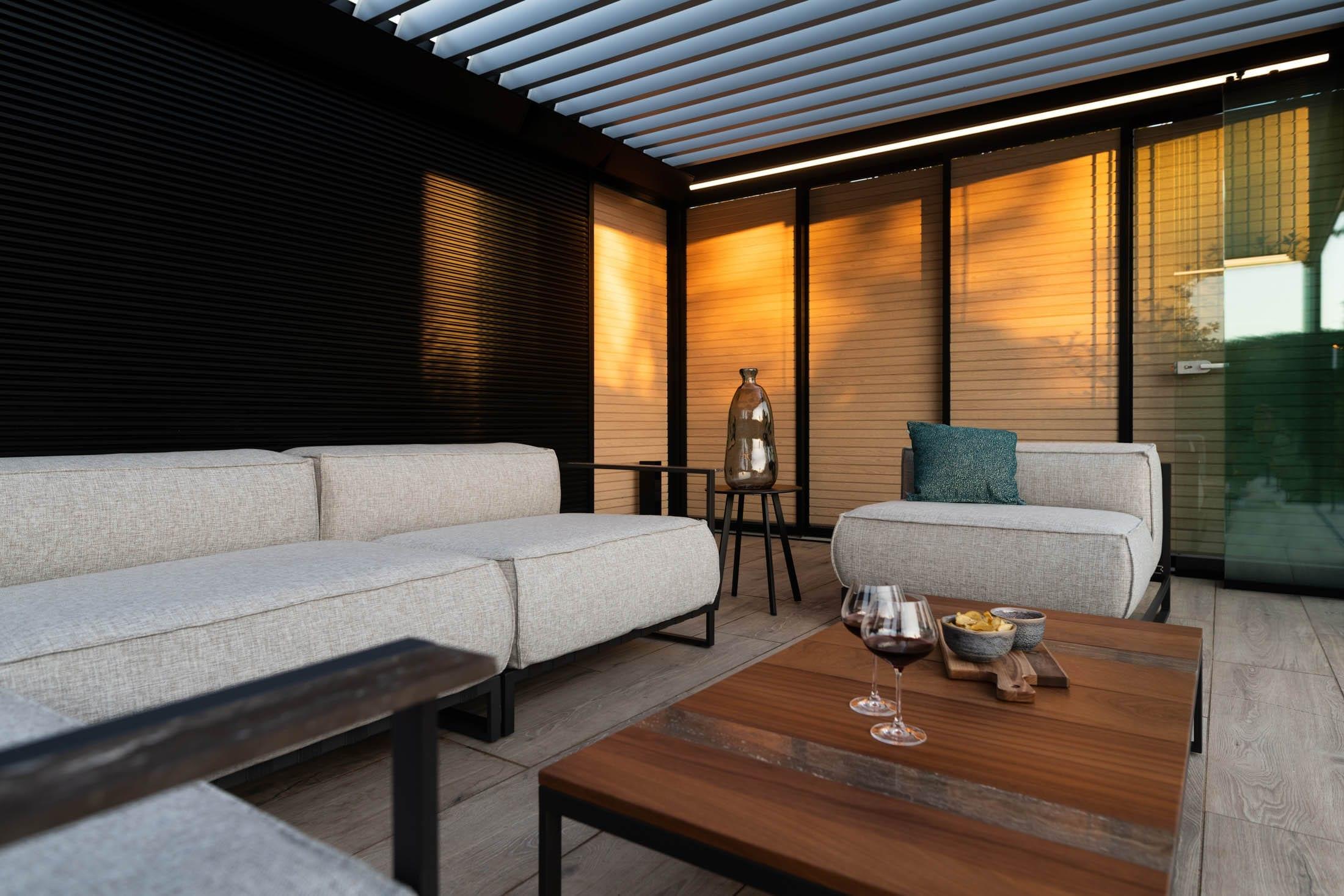 Interieur Luxe overkapping met lamellen
